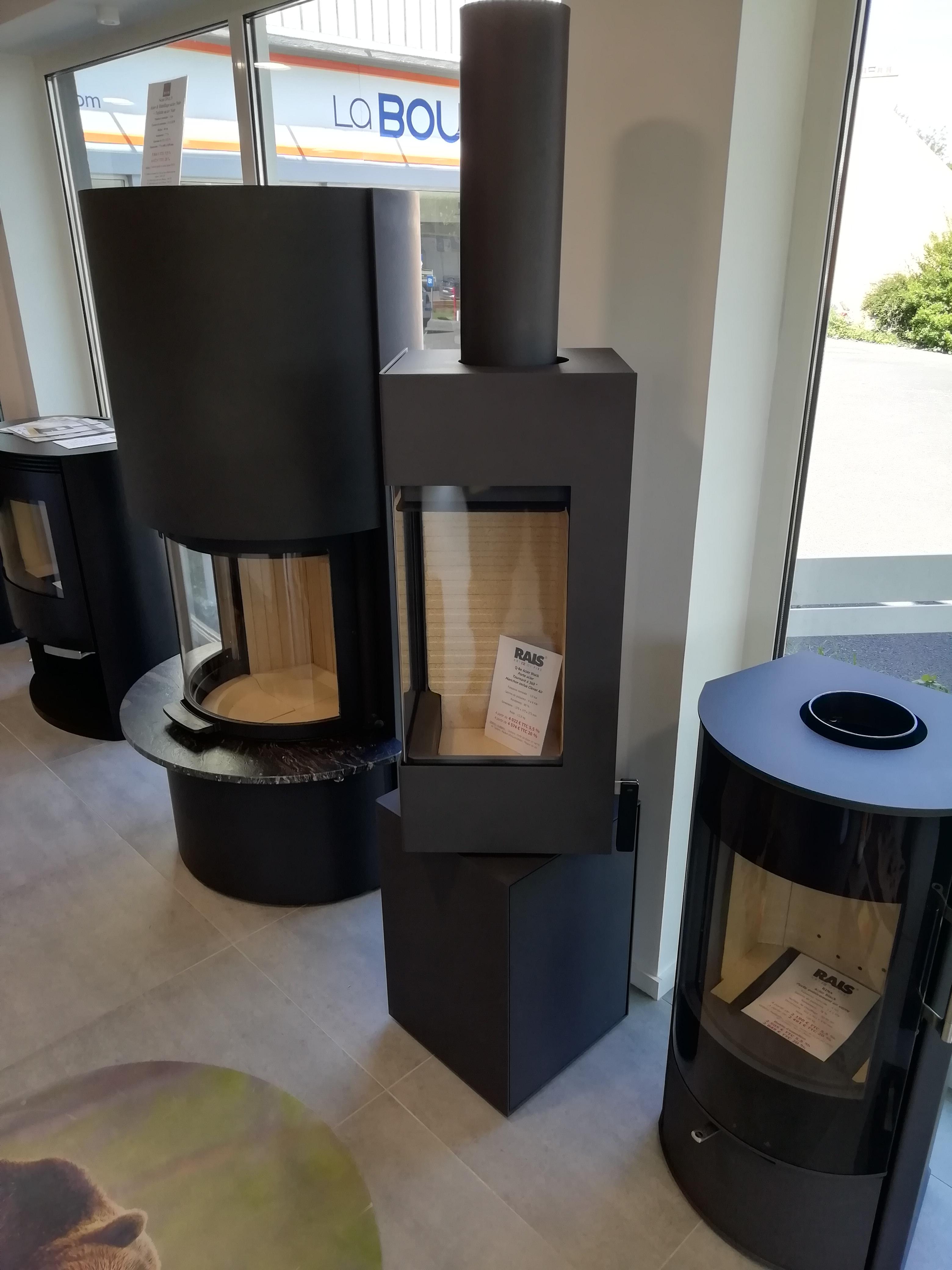 po le bois rais q be exposition destockage. Black Bedroom Furniture Sets. Home Design Ideas